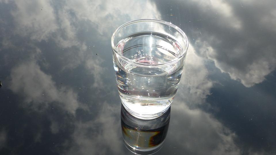 glass-475446_960_720