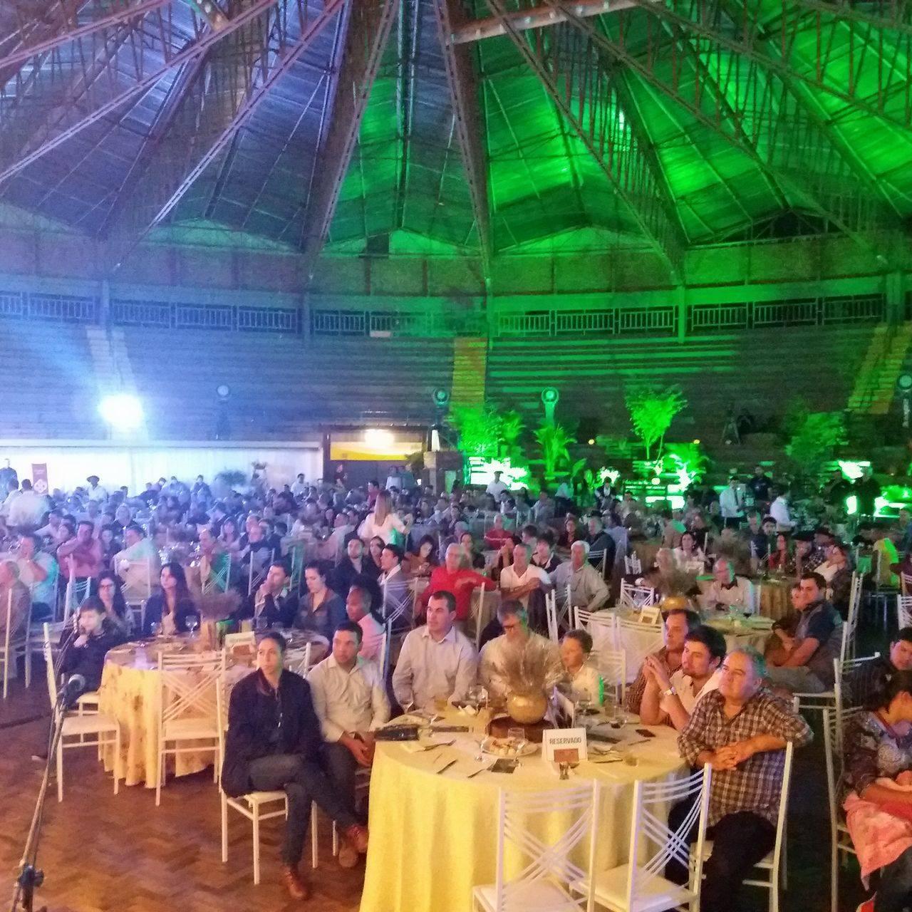 Todas as mesas foram ocupadas pelo grande público